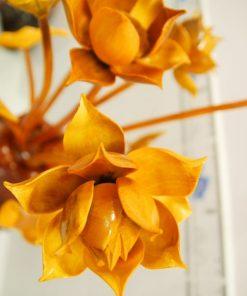 Hoa sen gỗ của công ty gỗ mỹ nghệ Sơn Đồng sắc sảo tới từng chi tiết nhỏ
