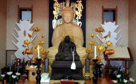 Những điều bạn cần biết khi lau dọn bàn thờ Phật