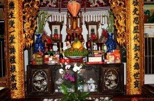Hướng dẫn bài trí bàn thờ ngày Tết Nguyên đán